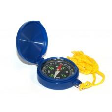 Компас стрелочный. Корпус пластмассовый с крышкой, нейлоновым шнурком. Цвет: синий. Цена деления: 5