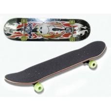 Скейт. Длина деки 78 см, ширина деки 20 см. Диаметр колеса 4,5 см. Поверхность деки покрыта специаль