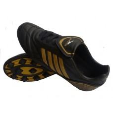 Бутсы футбольные SPRINTER , верх - PVC, подошва - TPR, круглые шипы, р-р 45. Цвет: чёрный+золотой :(